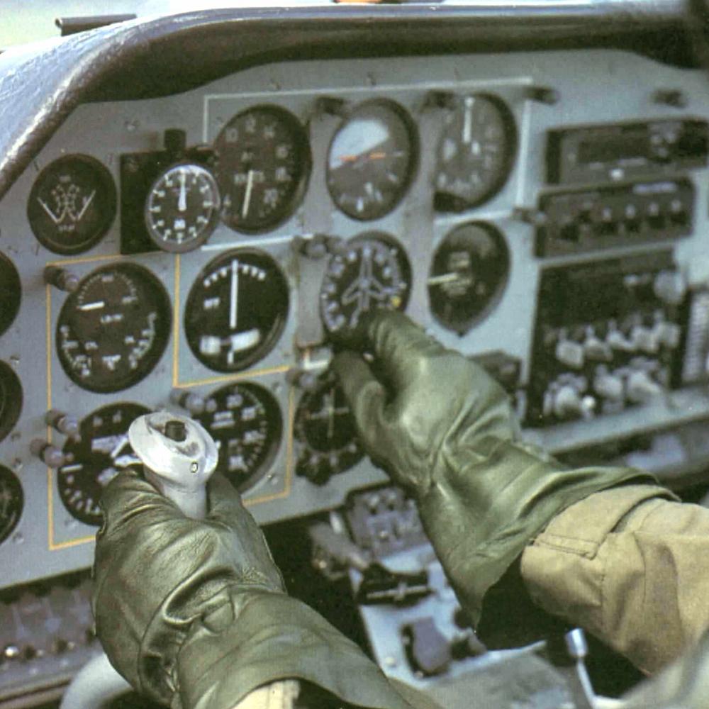 Guanti per Aeronautica